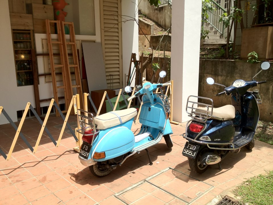 Scooters outside kei-ki, a cake shop